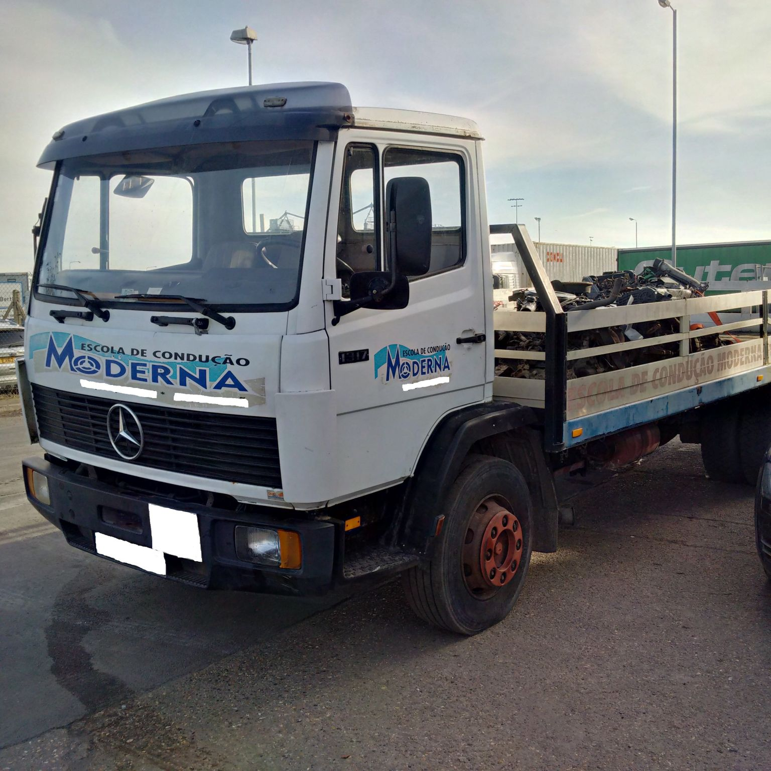Left hand drive Mercedes 1317 13 Ton truck
