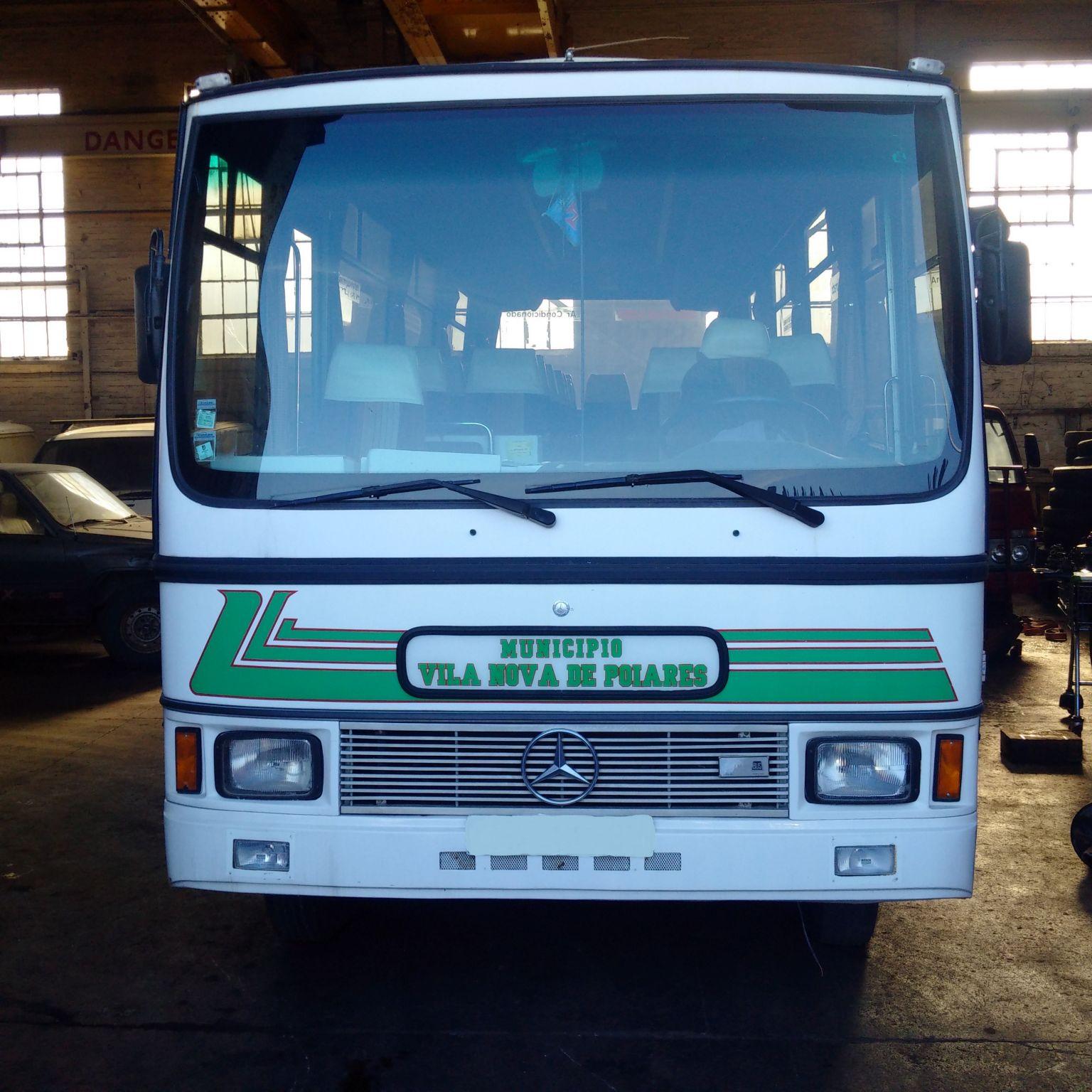 Left hand drive Mercedes 813 31 seats bus