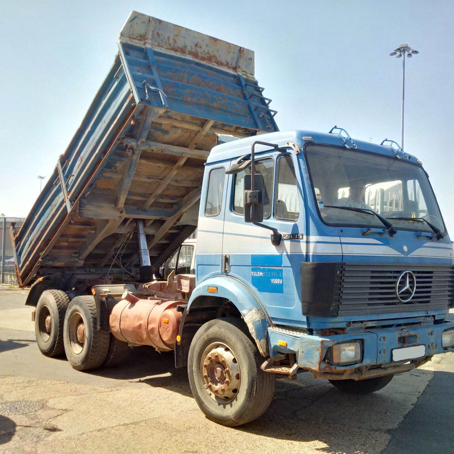 Left hand drive Mercedes Benz SK 2435 Twin Turbo V8 engine 6X4 26 Ton 10 tyres 3 way tipper.