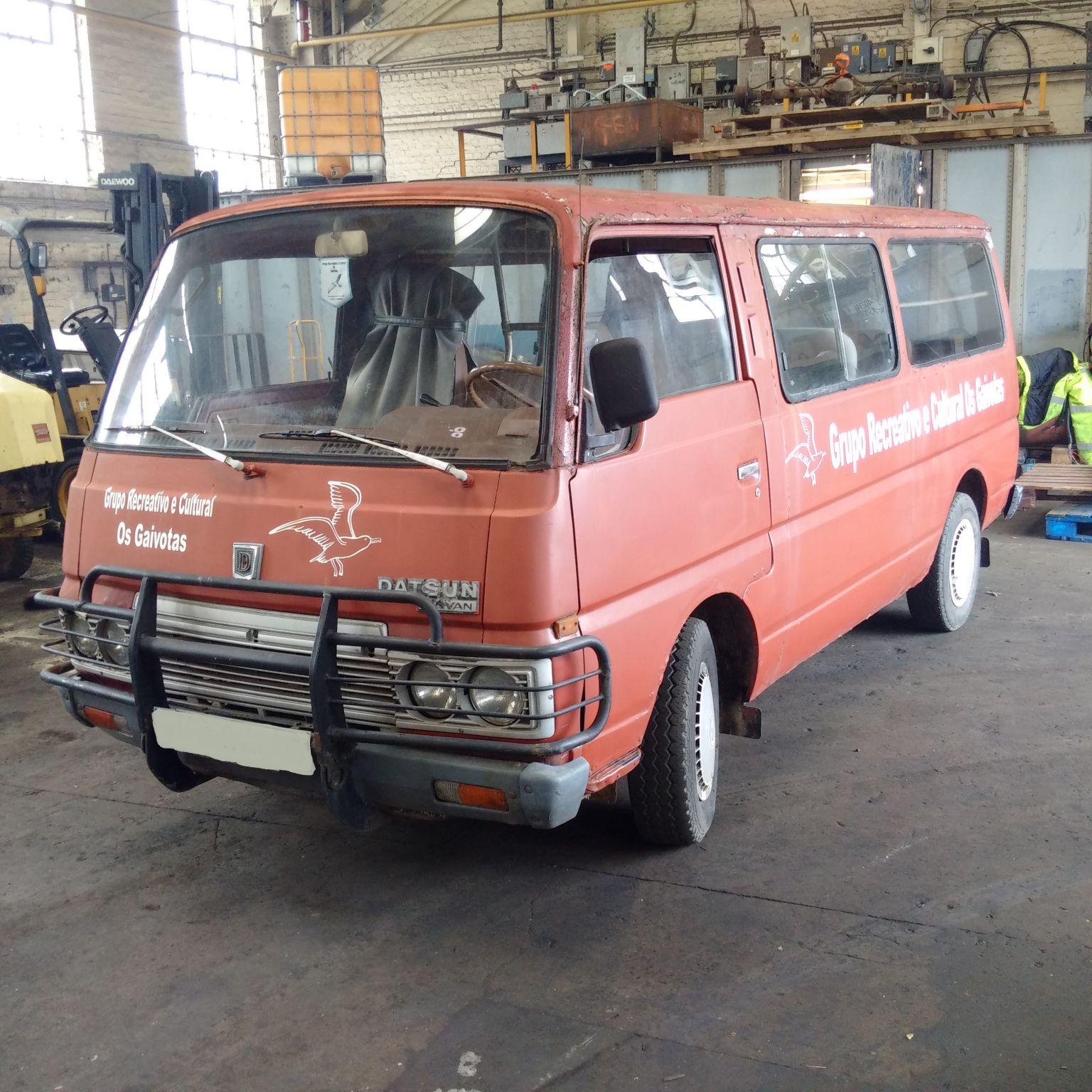 Left hand drive Nissan Urvan 2.3 diesel long wheel base mini bus.