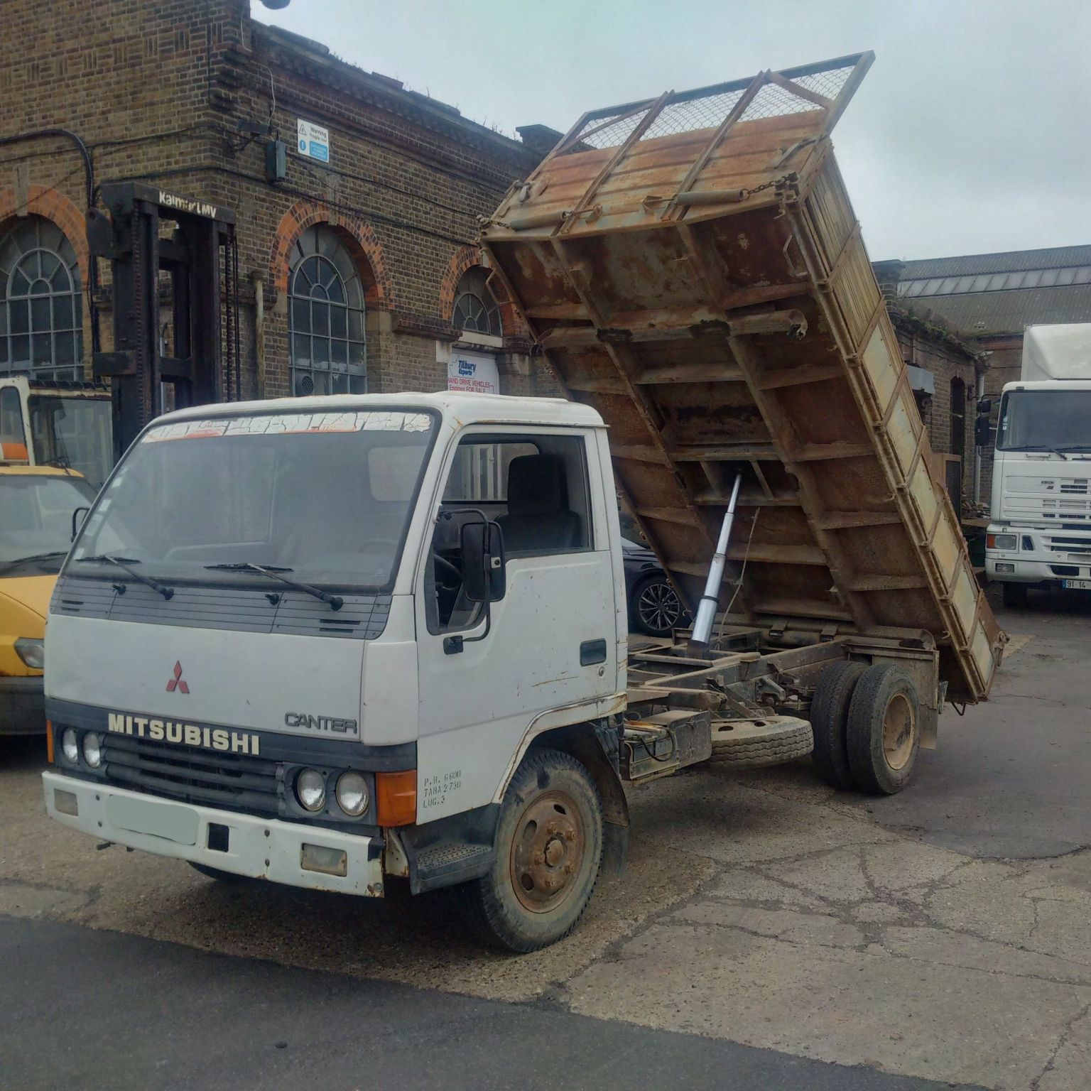 Left hand drive Mitsubishi Canter FE444 3.3 diesel 6.6 Ton 3 way tipper.