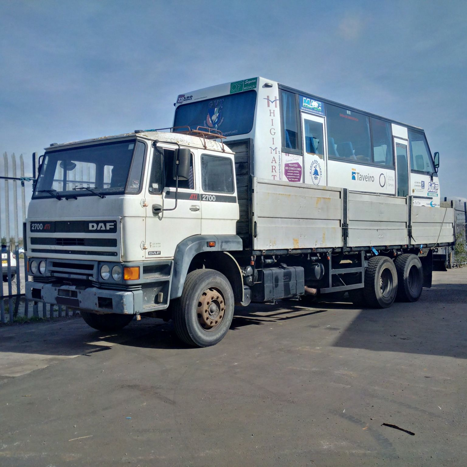 Left hand drive DAF 2700 ATI 10 tyres 26 Ton truck. On springs suspension