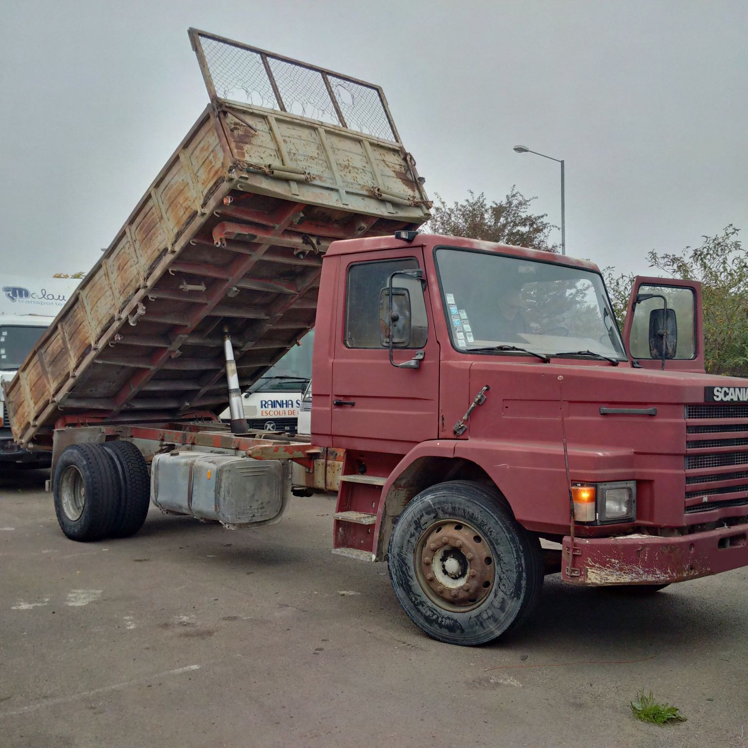Left hand drive Scania 82H long nose 19 Ton 3 way tipper.
