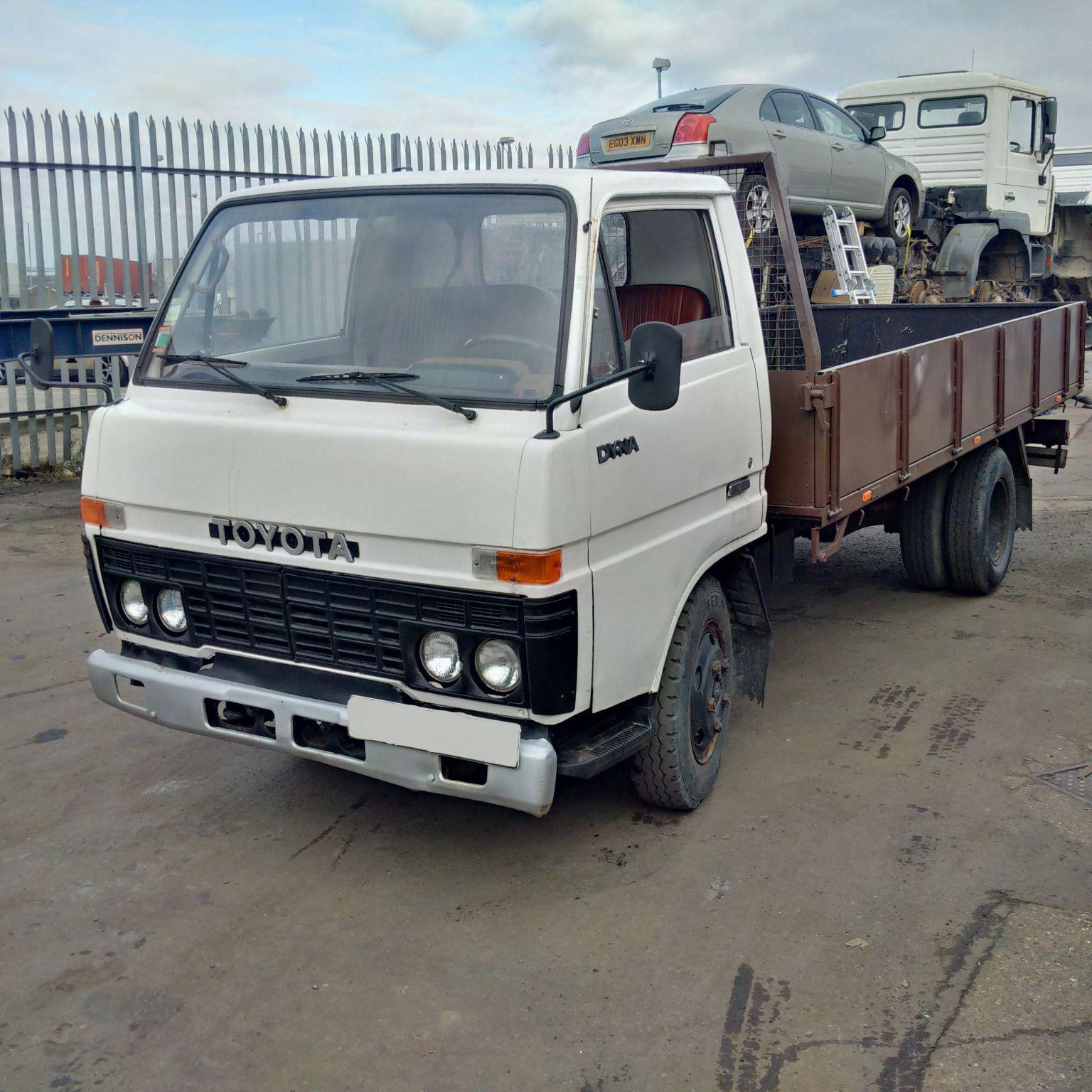 Left hand drive Toyota Dyna BU30 L 3.0 diesel 6 tyres truck. Steel body. MOT till 2017.
