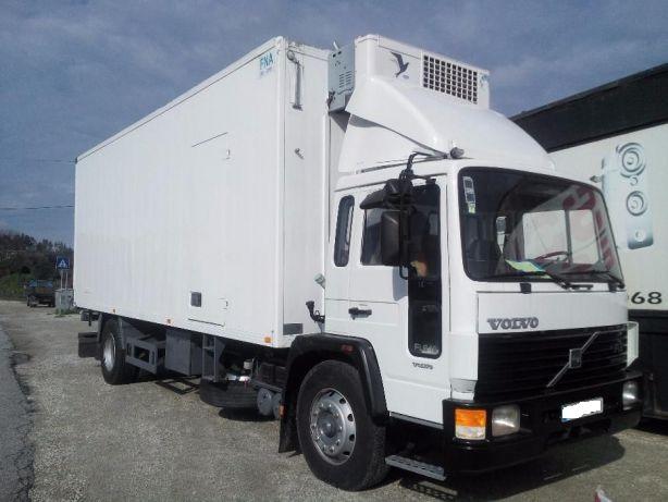 Left hand drive Volvo FL6.18 18 Ton refrigerator box lorry. MOT till 2017.