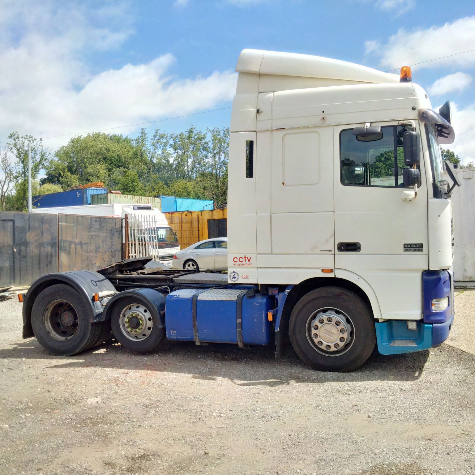 Left hand drive DAF 95XF.430 6X2 trailer head/Tractor unit.