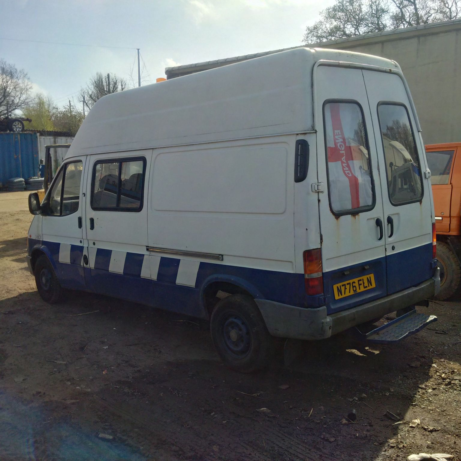 Swiss Vans Large Uk Ford: Ford Transit 100 2.5 Diesel Long Wheel Base Van.