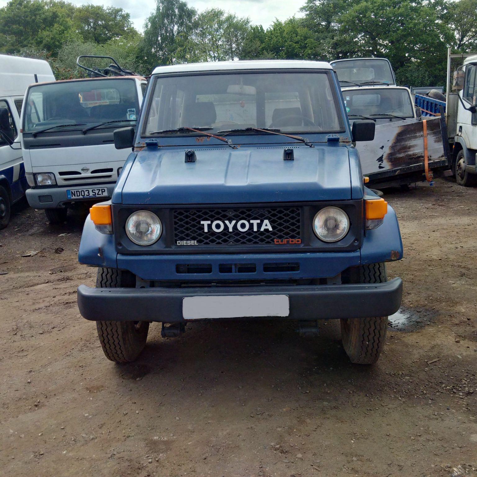 Left hand drive Toyota Landcruiser Turbo BJ73 4X4.