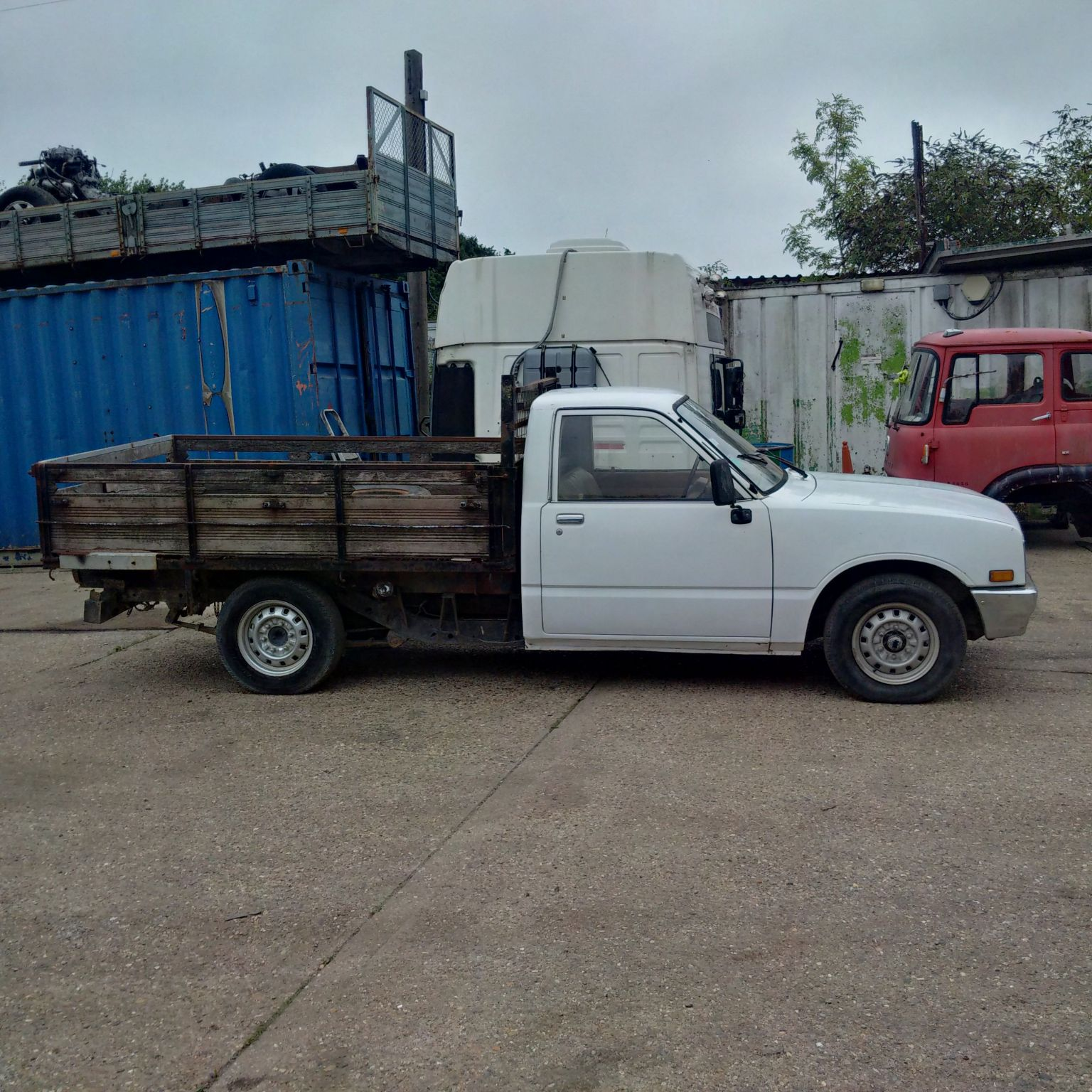 Left hand drive Isuzu KBD 27 4X2 2.3 D pick up.
