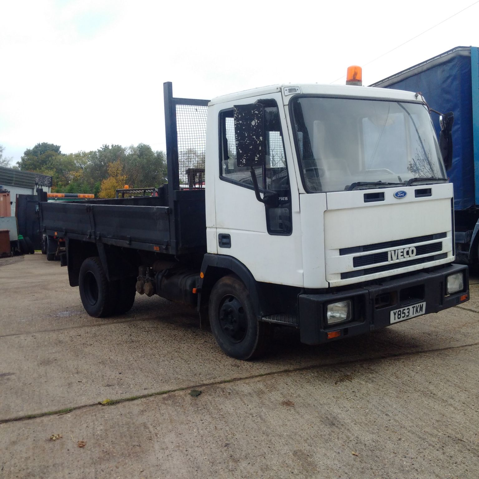 Iveco 75E15 7.5 ton tipper. On springs suspension.