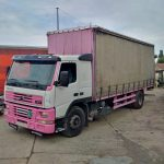 Left hand drive Volvo FM7 290 R 19 Ton curtainsider.