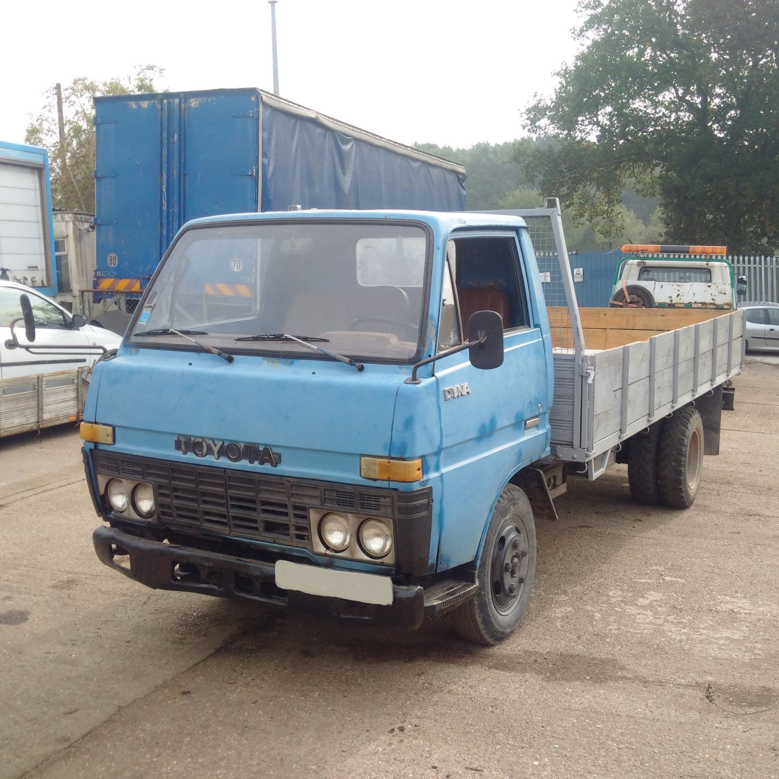 Left hand drive Toyota Dyna BU30 3.0 D truck