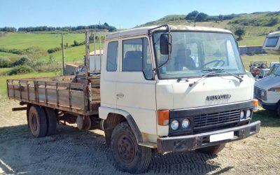 Left hand drive Toyota HINO FD174L 6 tyres 10 ton truck