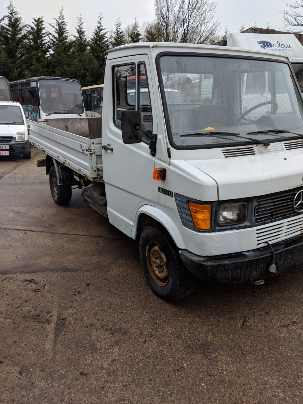 LEFT HAND DRIVE Mercedes 309D 3.5 ton dropside truck. only 108,000 miles