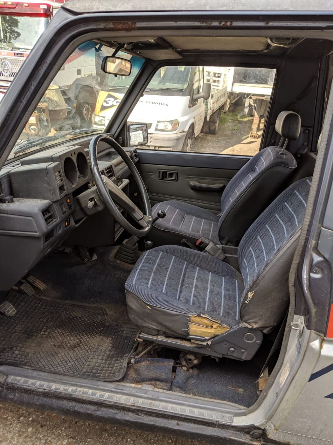 Daihatsu Rocky EX Diesel Turbo, SWB 4 x 4 Jeep