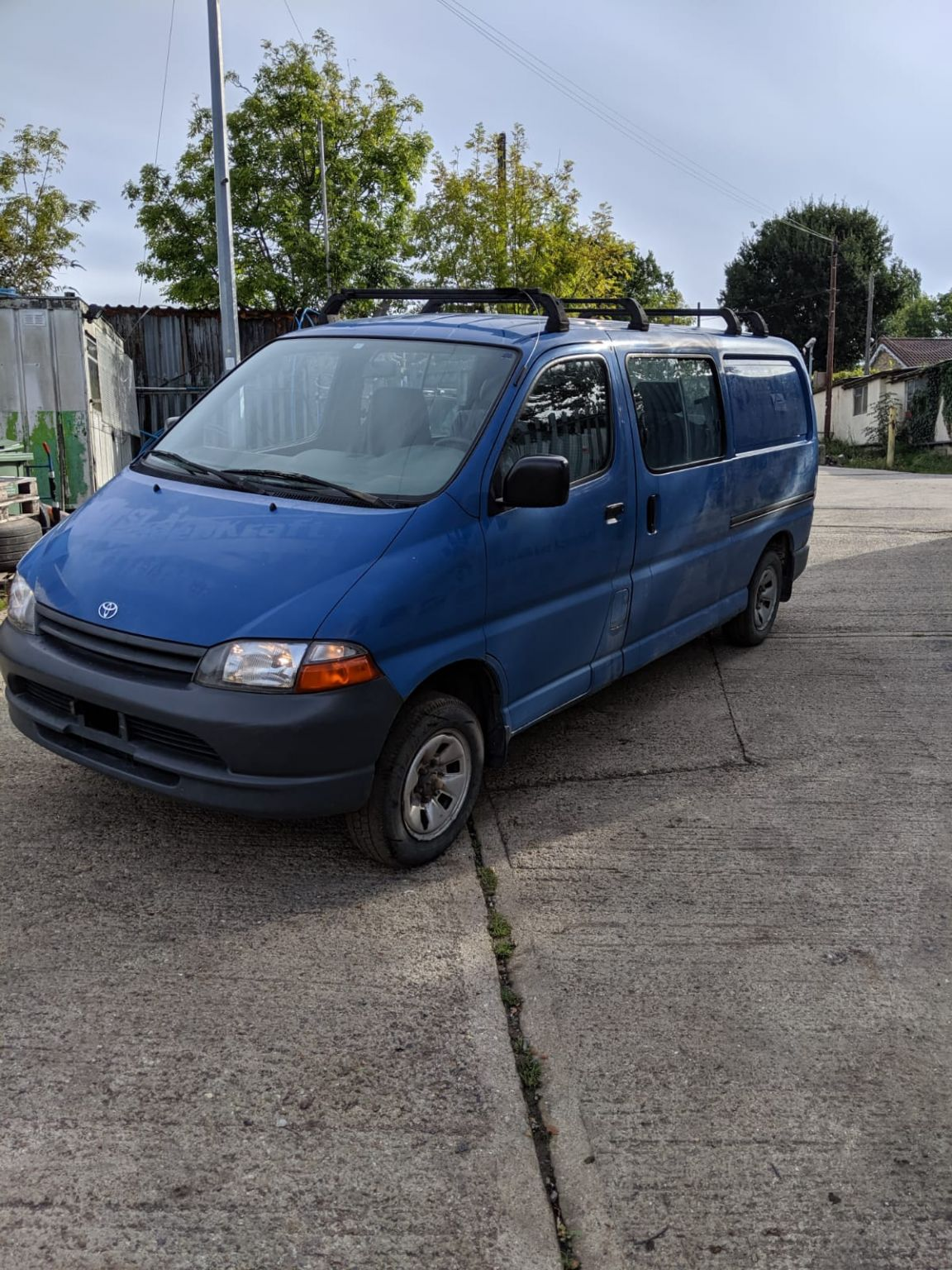Left hand drive, LWB, Toyota Hiace Powervan, 2L engine