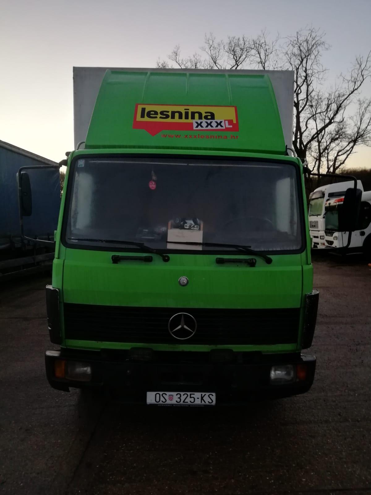 Left hand drive, Mercedes-Benz 814 Curtainsider 6 Cylinder