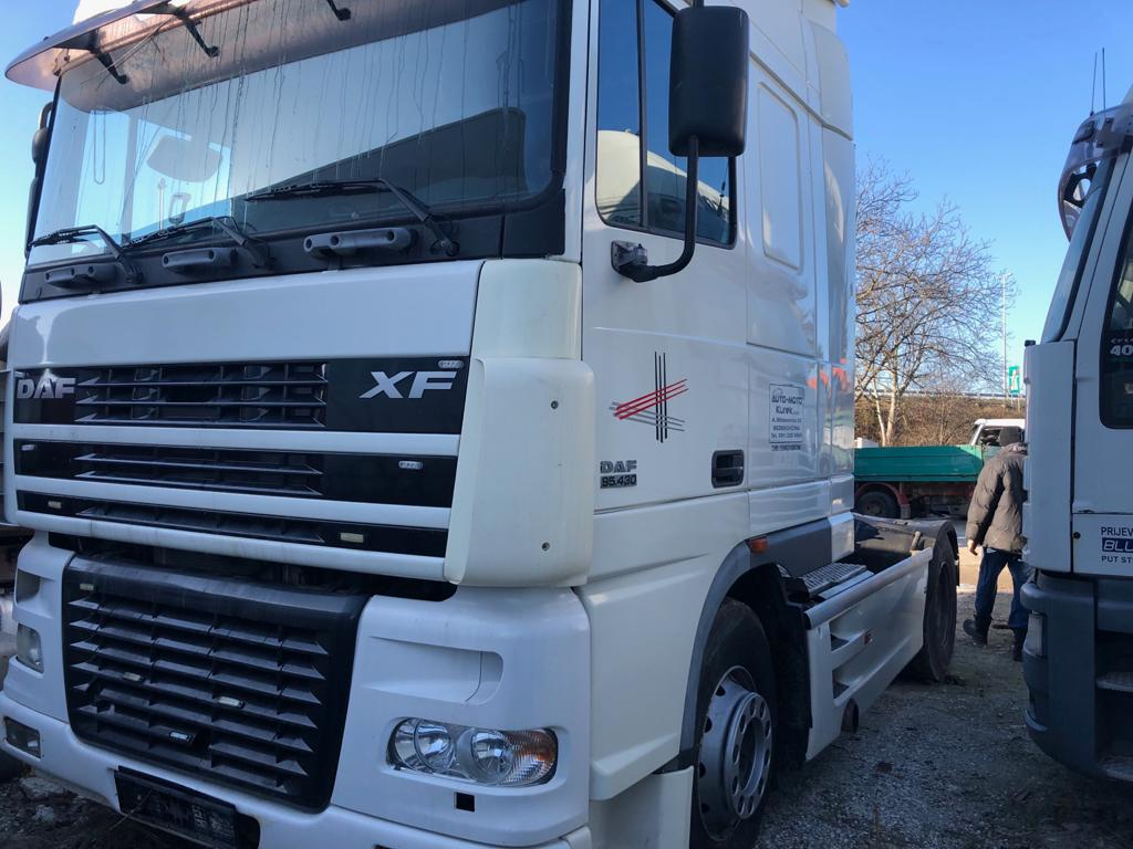 LEFT HAND DRIVE DAF XF95 Trailer head / Tractor unit 44ton, 4×2, Automatic gearbox, 430hp