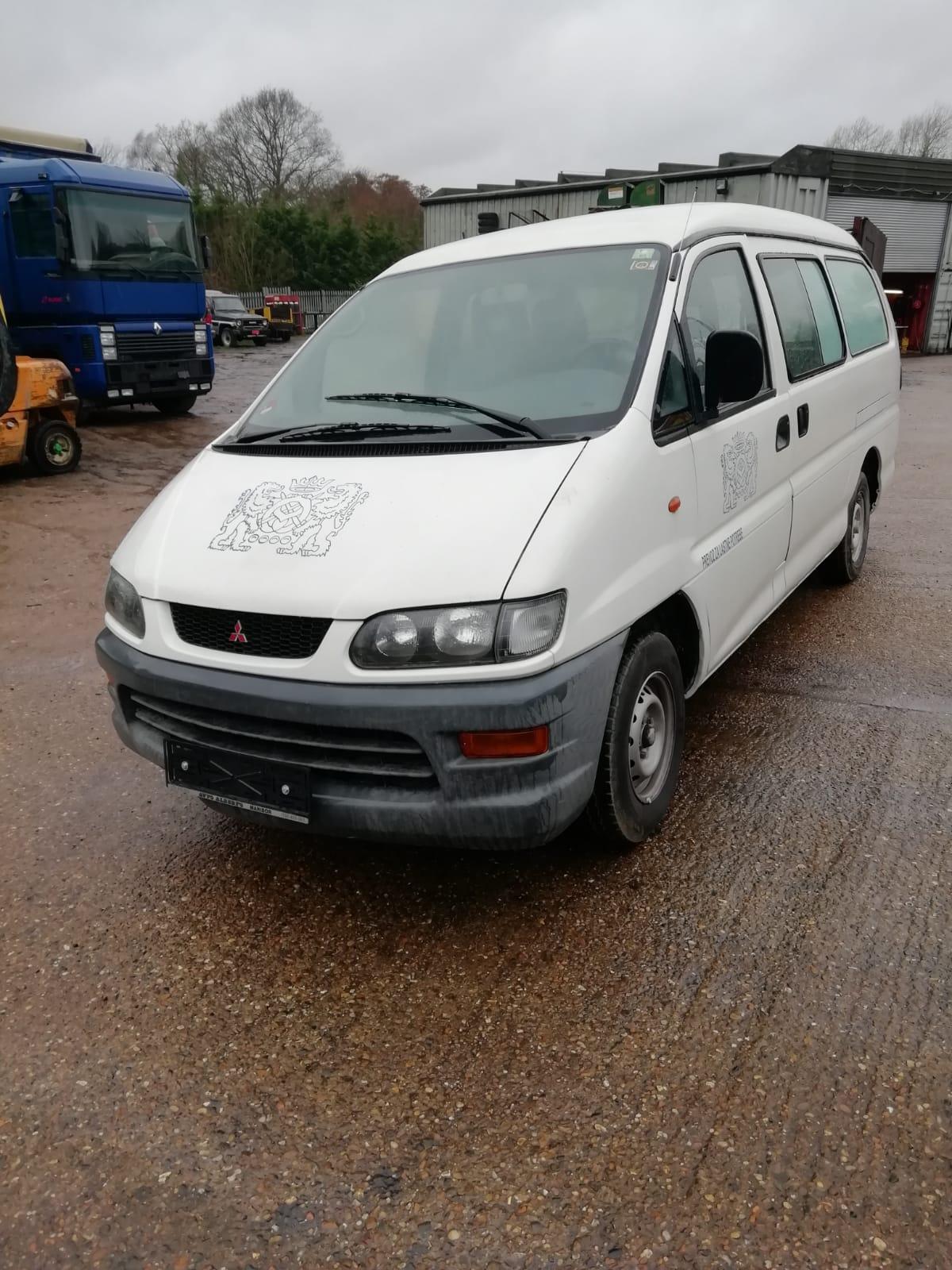 Left hand drive Mitsubishi L400 van, manual pump and injectors