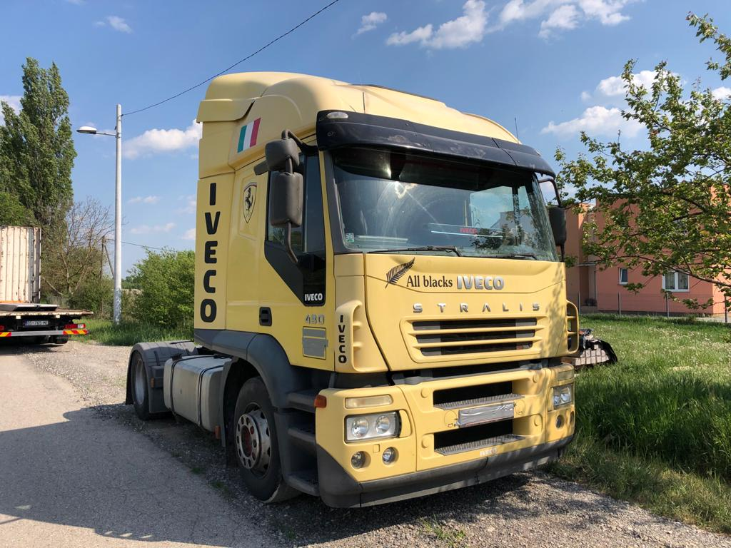 Left hand drive, Iveco Stralis tractor unit, Manual gearbox, 430hp