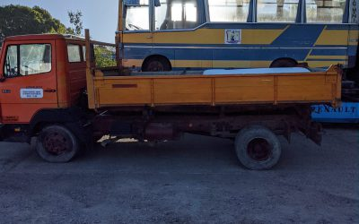 Mercedes-Benz Left hand drive, 814, 3 way tipper, 6 cylinder, spring suspension, Manual gearbox