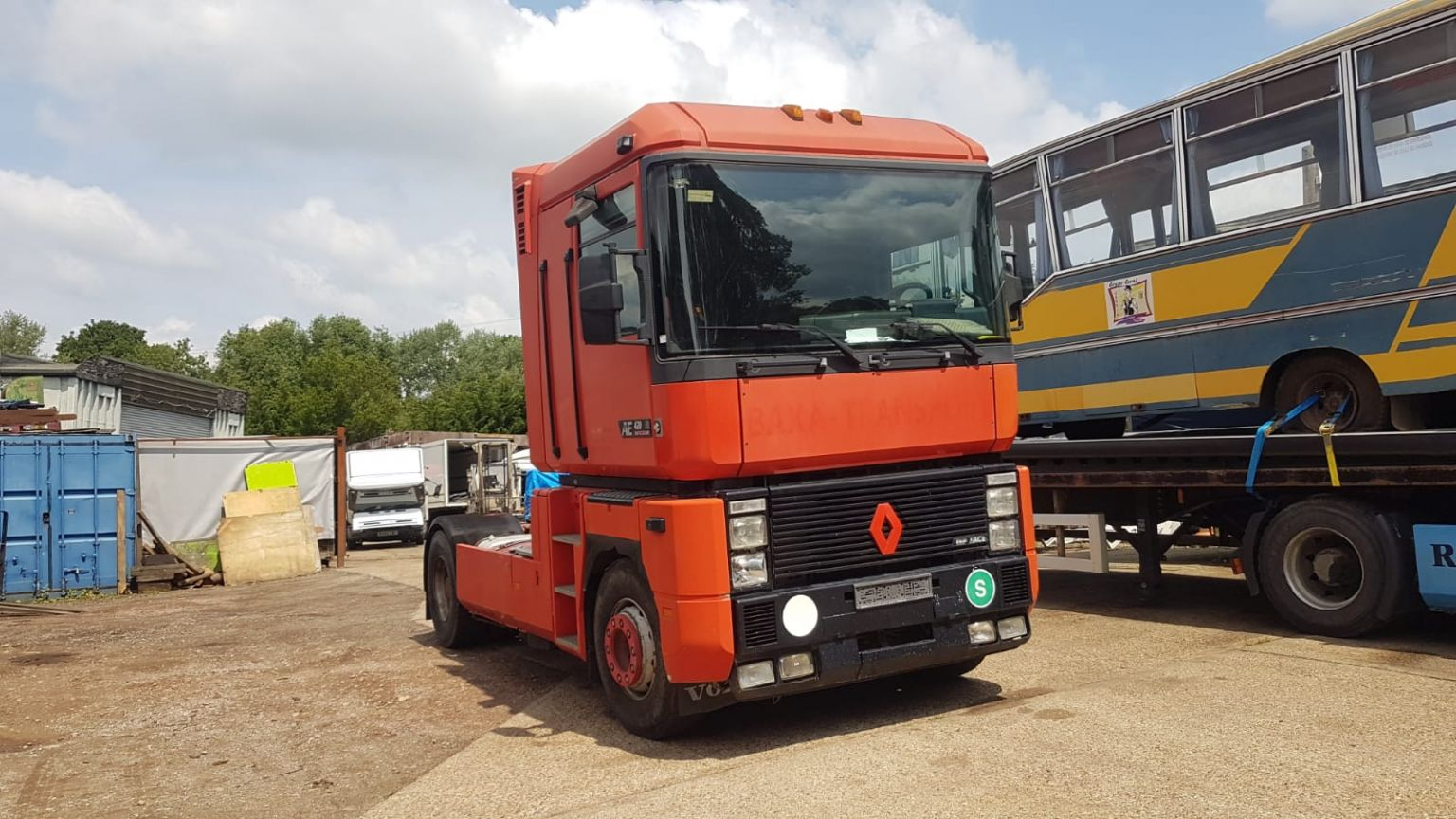 Left hand drive Renault Magnum, tractor unit, 4×2, 420hp Renault engine, Manual gearbox