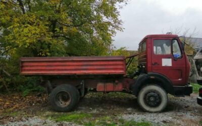 Left hand drive Mercedes Benz 1213, 3 way tipper, 4×4