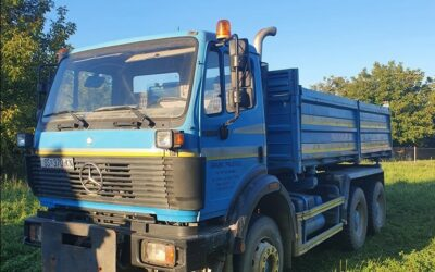 Left hand drive Mercedes Benz 2527, 3 way tipper