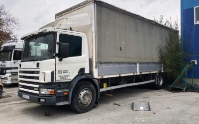 Left hand drive, Scania 94D, Curtainsider.